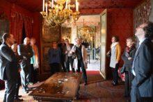 Admiring the Salon rouge. Photo credit: Gérard Pouchain